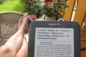 E-Book (Bild: Ole Husby [CC BY-SA 2.0], via Flickr)