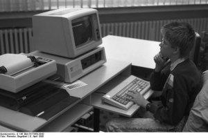 Bundesarchiv, B 145 Bild-F077869-0042 / Engelbert Reineke / CC-BY-SA 3.0
